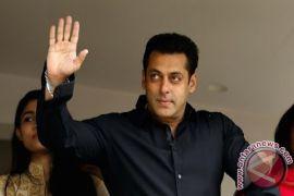 Bebas dengan uang jaminan, Salman Khan kembali ke pengadilan