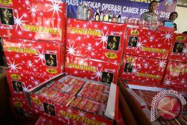 Polisi sita 4 juta petasan di Indramayu