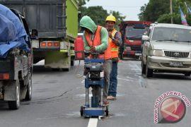 Jalan penghubung jebol timbulkan kemacetan Jalintim