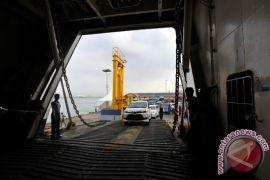 Penumpang Pelabuhan Merak capai 49.680 orang