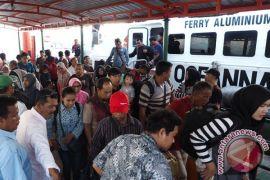 Arus balik penumpang di Pelabuhan Karimun makin ramai