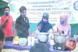 Petani Tanbu Ikuti Pelatihan Pembuatan Pupuk