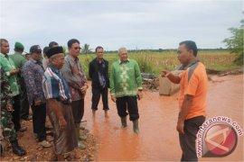 Pengungsi banjir Aceh Selatan diserang penyakit