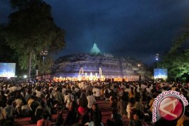 Ribuan Umat Buddha Rayakan Maha Puja Asadha