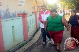 Bocah Obesitas Karawang Belajar Di Rumah