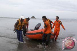 SAR evakuasi 24 nelayan korban kapal karam