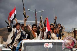 Houthi bebaskan warga negara AS yang ditahan