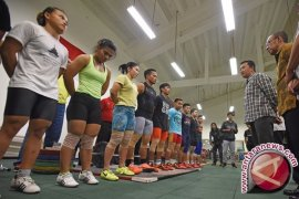 OLIMPIADE 2016 - Tim angkat besi Indonesia jalani tes doping