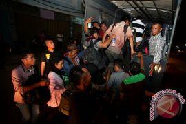 Polda Kepulauan Riau tetapkan lima tersangka kasus TKI ilegal