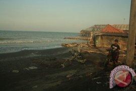 Waduh, 40 Persen Pantai Karawang Rusak Akibat Abrasi