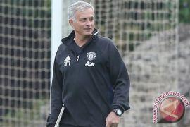 "Chelsea vs Manchester United: Mourinho tak ingin ""besar kepala"""