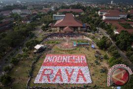 Ratusan siswa nyanyikan Indonesia Raya stanza 3