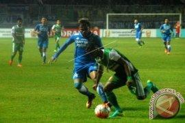 Persib Tidak Diperkuat Sergio Hadapi Gresik United