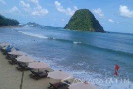Pemkab Banyuwangi: Pantai Pulau Merah Kembali Bersih