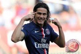 Cavani ukir trigol saat PSG taklukkan Monaco