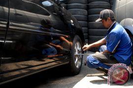 Cara jaga kondisi ban pada mobil yang jarang dipakai