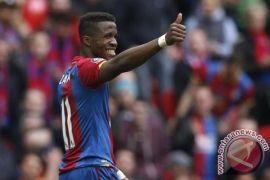 Hancurkan Leicester 5-0, Palace menjauh dari degradasi
