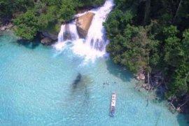 Pesona Keindahan Air Terjun Meyah Papua Barat