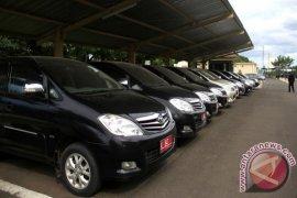 """""""Hadiah"""" Mobil Dinas Untuk Legislator Karawang"""