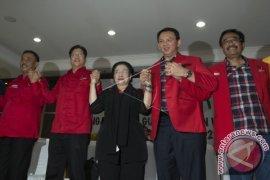 Ahok-Djarot Lengkapi Formulir Di KPUD DKI Jakarta