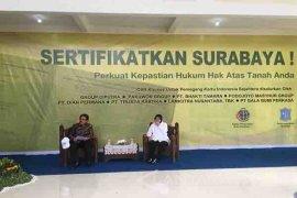 Ribuan Warga Surabaya Miliki Sertifikat Tanah Gratis