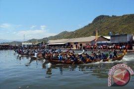 36 Tim Ikuti Lomba Dayung Perahu Naga