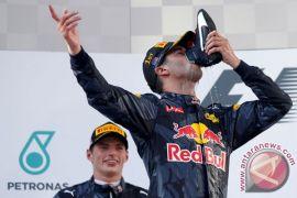 Ricciardo juarai Grand Prix China