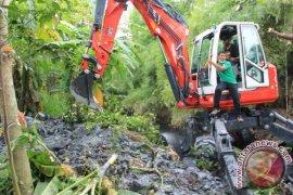 Pemkot Medan Keruk Sungai Bederah Untuk Antisipasi Banjir