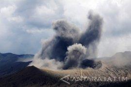 Erupsi Gunung Bromo