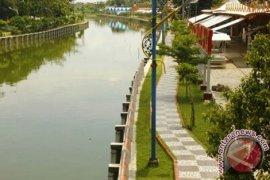 Ada 7 titik tanggul berpotensi sebabkan banjir Indramayu