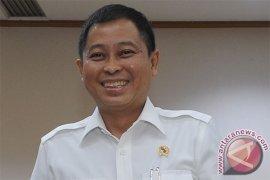 Jonan minta Pertamina pasok BBM tol trans Jawa