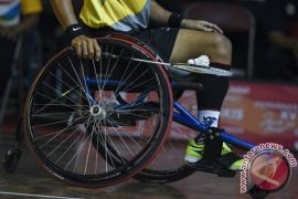 PEPARNAS - Jateng tantang Jabar di final beregu putra bulu tangkis