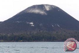 Gunung Anak Krakatau dalam status waspada