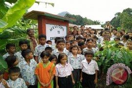SDN 42 Petai Bejambu jadi Green School