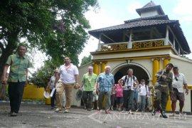 Pemkab Sumenep Permudah Biro Perjalanan Wisata Internasional (Video)