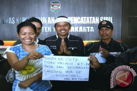 Cegah Pungli, Alur Administrasi Pembuatan KTP/KK di Purwakarta Dipangkas