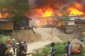 Enam petugas di Malaysia tewas saat penyelamatan di bekas tambang
