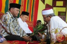 Abdullah Puteh terima peusijeuk ulama Aceh