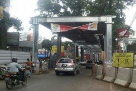 "BPLHD Jabar: ""Skywalk"" Bandung Ganggu Pepohonan"