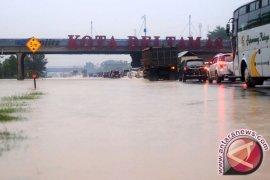 Operator Tol Jakarta-Cikampek antisipasi genangan delapan titik