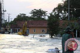 Banjir genangi kompleks Pemda Karawang