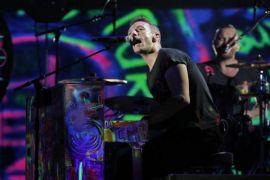 Chris Martin nyanyikan lagu George Michael di penampungan tunawisma