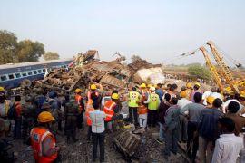 60 tewas dalam kecelakaan kereta di India