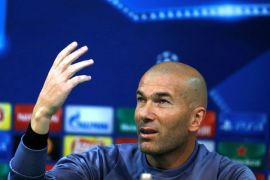 Zidane puji Ronaldo pemain terbaik yang pernah ada