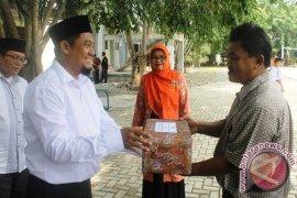 LDII Aceh beri bingkisan untuk guru