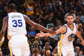 Curry-Durant-Thompson cetak 85 poin, Warriors benamkan Lakers 149-106