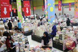 Hari ini ada pawai, pentas teater dan bazar buku di Jakarta