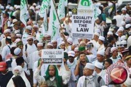 Ribuan polisi amankan unjuk rasa FPI