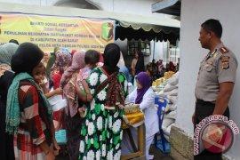Polri periksa kesehatan korban banjir Aceh Barat