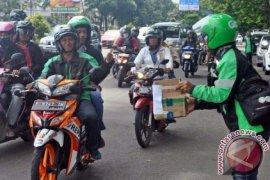Pengendara Ojek Online Galang Dana Untuk Aceh